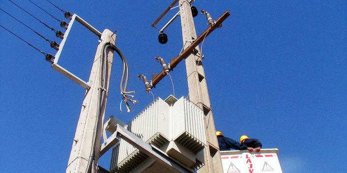 امداد برق و تلفن پایتخت